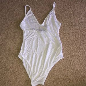 Boohoo white bodysuit v-neck